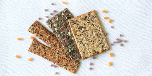 Crackers arranged with savoury inclusions 600x300 px (1)